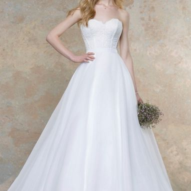 Ellis Bridal 18024A Bodice Size 14 Ivory was £599 NOW £200 (Bodice Only)