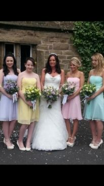 Fiona and her pastel bridesmaids